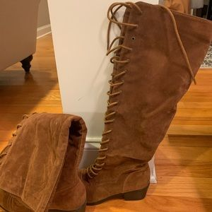 Boots suede lace up